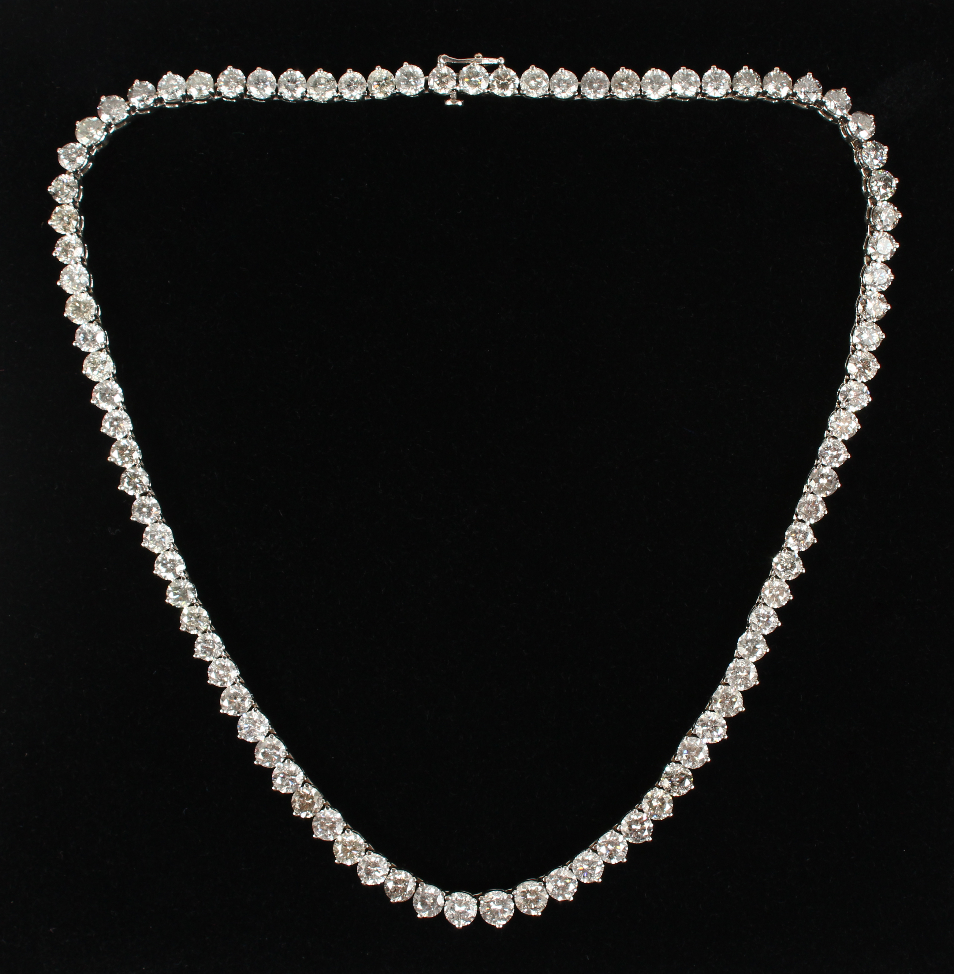 This outstanding 18ct white gold diamond necklace of 85 stones totalling 48 carats./Auctioneers and Valuers